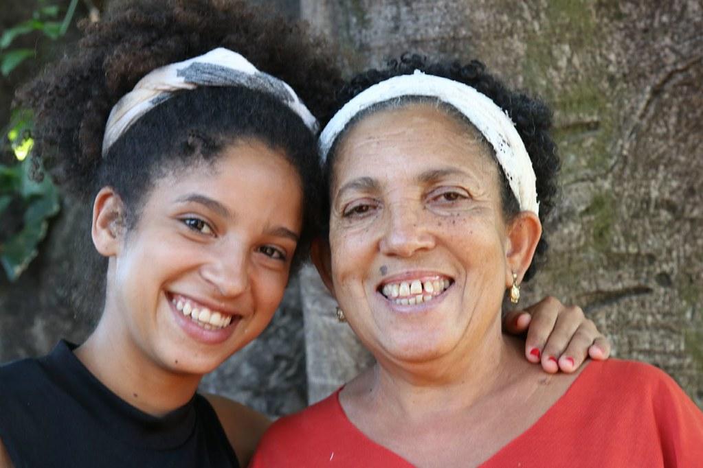 Mãe e filha constroem a luta e a cultura do movimento.