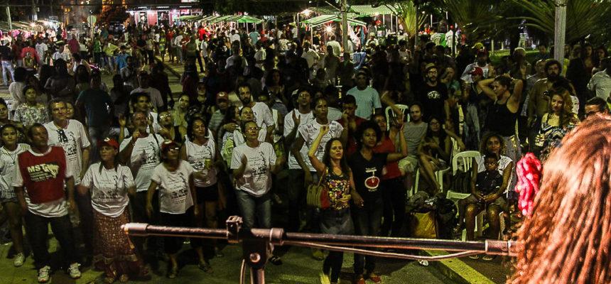 Arte e cultura de raiz tomam a praça em Valadares