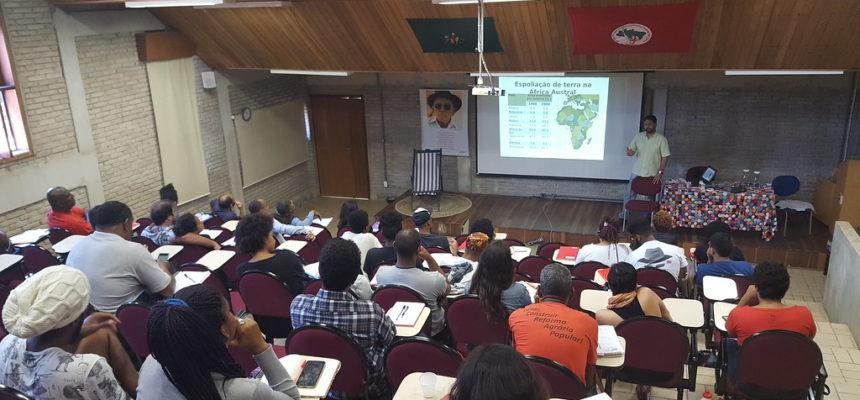 Pensamento Pan-africano é tema de debate na Escola Nacional Florestan Fernandes