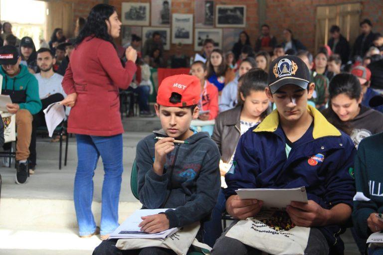 1º Encontro de Adolescentes Sem Terra da região sul do Brasil terminou nesta quinta-feira