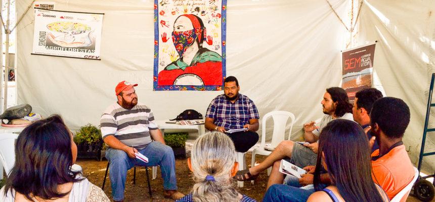 Oficina debate realidade das comunidades extrativistas do Vale do Jequitinhonha
