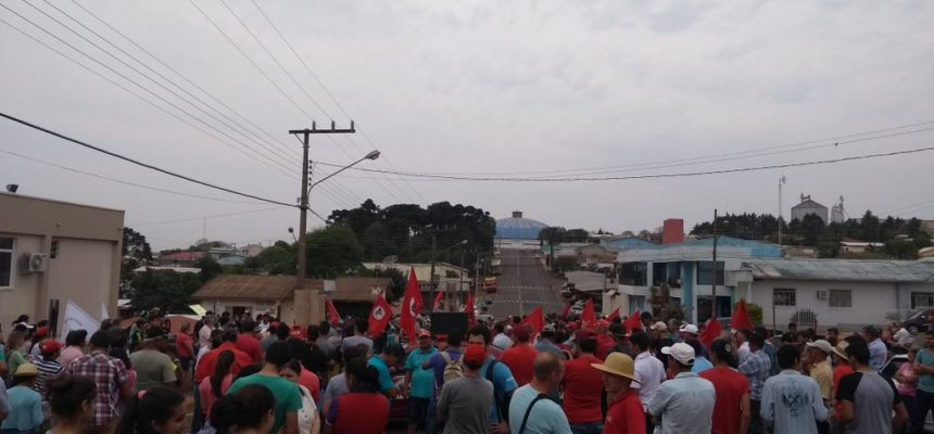 MST realiza ato em defesa do IFC em Abelardo Luz, em Santa Catarina