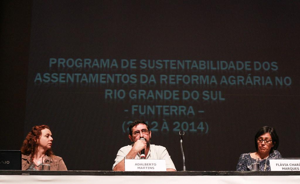 O engenheiro agrônomo Adalberto Martins destacou a capacidade dos camponeses de impor políticas públicas aos governos.jpg