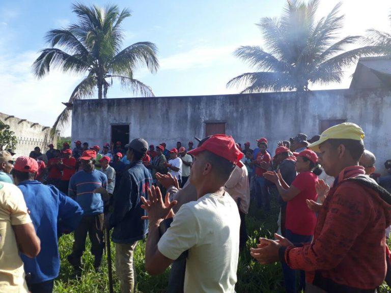 Sem Terra ocupam fazenda do ex-deputado estadual Roberto Cunha