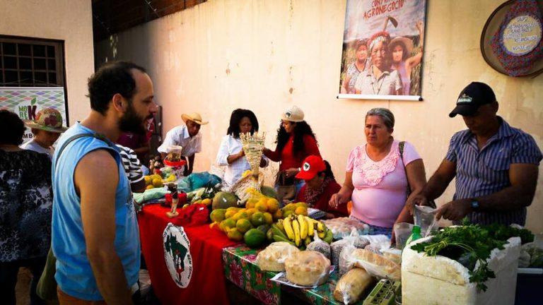 """""""O debate sobre a alimentação saudável se constitui em uma ferramenta de luta para nós"""""""