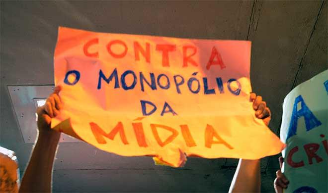 Redemocratização do Brasil passa pelo fim do oligopólio midiático