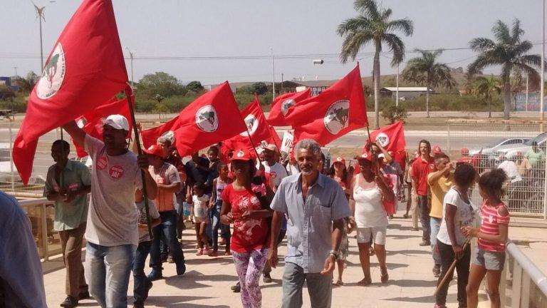 Sem Terra fecham a Jornada de Luta com Marcha em defesa da Reforma Agrária