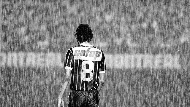 Sócrates Brasileiro: o jogador de futebol que ousou sonhar com um mundo sem misérias