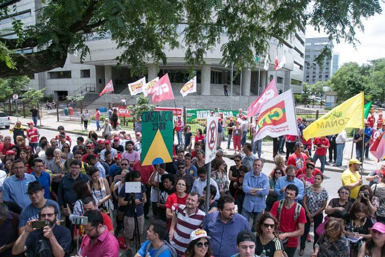 juristas defendem que processo contra Lula é 'eivado de injustiças'