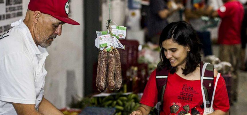 Espaço de comercialização Terra Crioula se consolida na Lapa, Centro do Rio de Janeiro