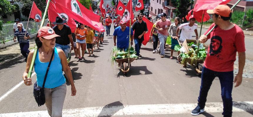 Em Santa Catarina, Acampamento Marcelino Chiarello Resiste