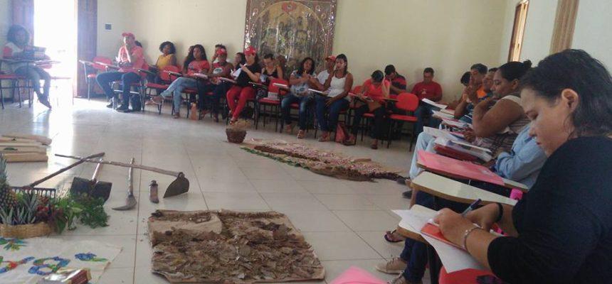 Educação e agroecologia caminham lado a lado no extremo sul da Bahia