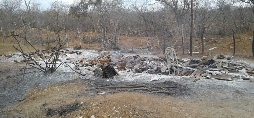 Acampamento Paulo Freire sofre incêndio criminoso em Sumé, na Paraíba