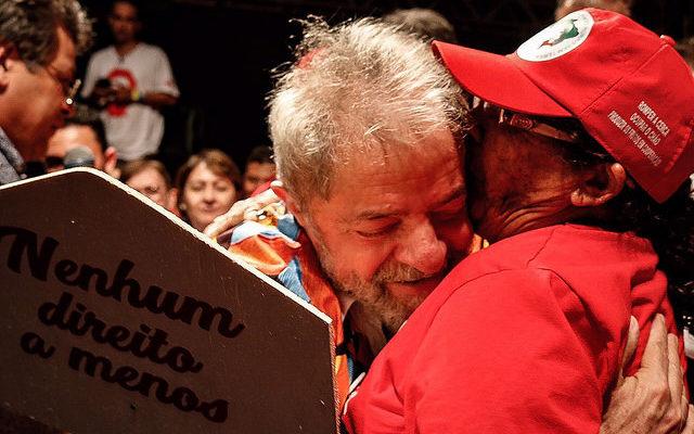 Personalidades denunciam perseguição a Lula em manifesto em defesa da democracia