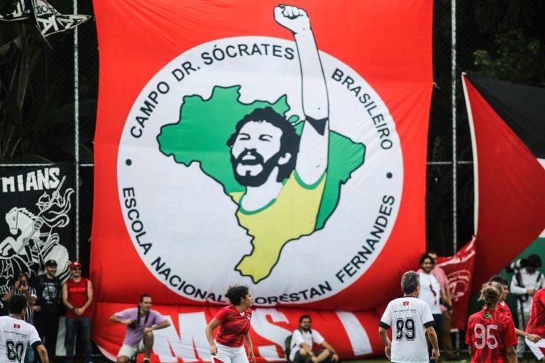 Lula e Chico Buarque estreiam campo Dr. Sócrates brasileiro