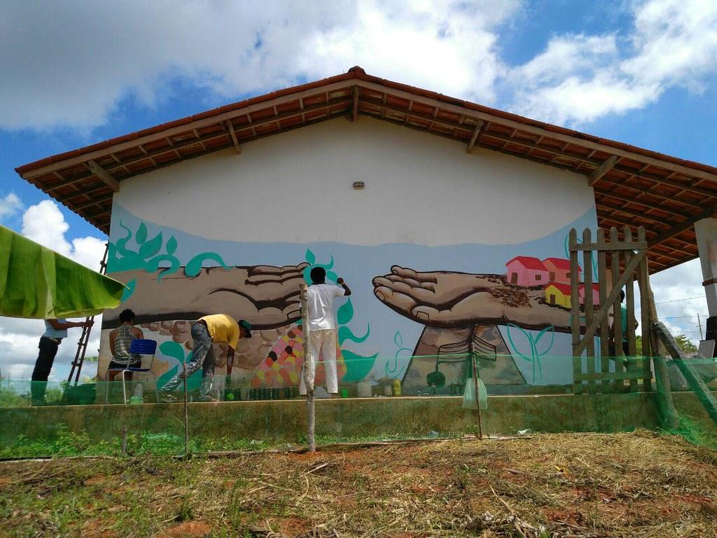 Muralismo na Escola Luana Carvalho.jpg