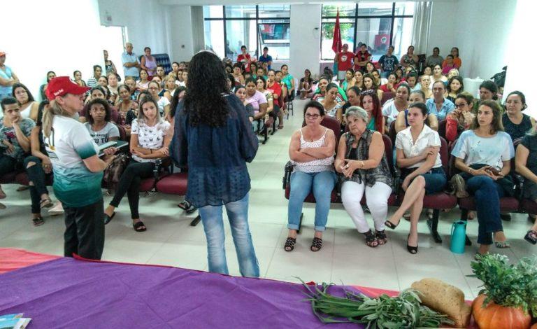 Sem Terra realizam debate em ocupação no Incra em Santa Catarina