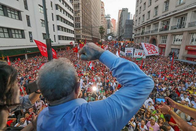 TRF4 mantém condenação de Lula; conheça os cenários futuros para o ex-presidente