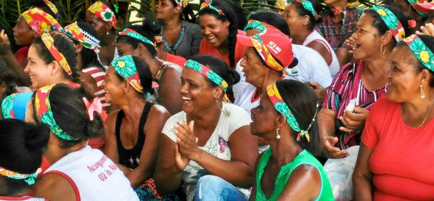 No baixo sul da Bahia, Mulheres Sem Terra debatem os desafios da luta feminista