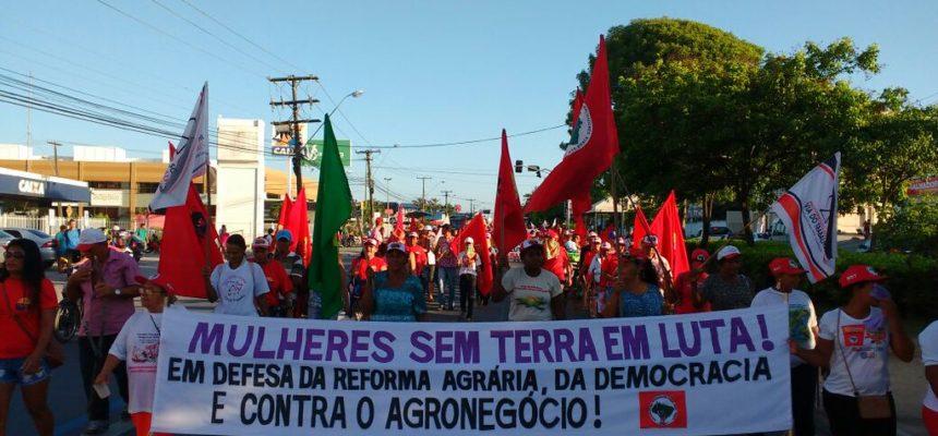 Camponesas ocupam Secretaria de Agricultura, Incra e Iteral em Alagoas