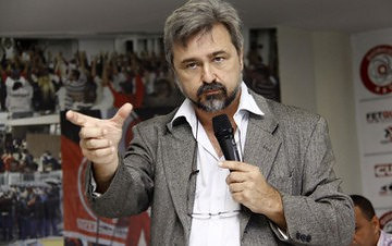 """""""Golpistas tentarão se legitimar nessas eleições"""", diz advogado Ricardo Gebrim"""