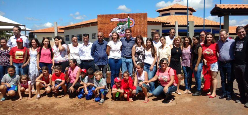 Escola municipal do campo Zumbi dos Palmares é inaugurada no Paraná