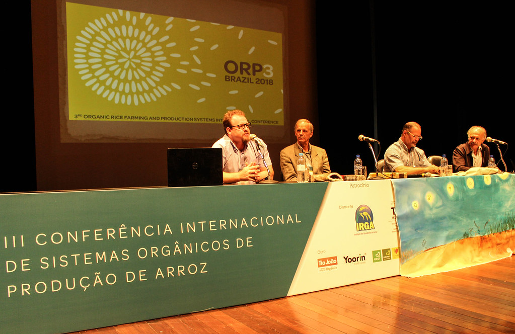 Durante a conferência, o Sem Terra Marthin Zang falou sobre o Grupo Gestor do Arroz Agroecológico do MST. Foto Catiana de Medeiros. jpg.jpg