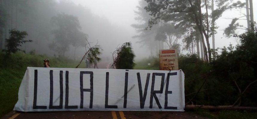 MST tranca rodovias em todo país em desagravo a Lula