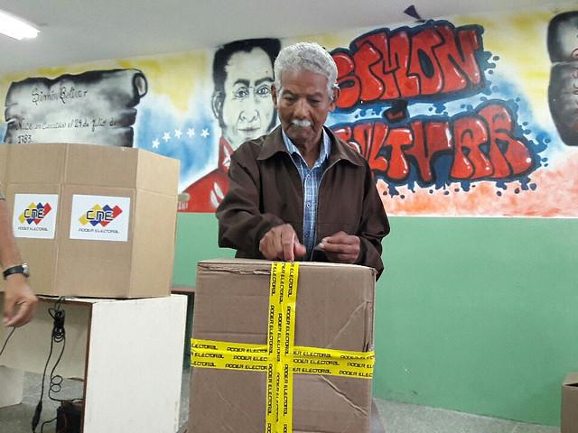 Venezuela elege um novo presidente e deputados regionais
