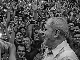 Julgamento do STF mobiliza população em defesa Lula e Democracia