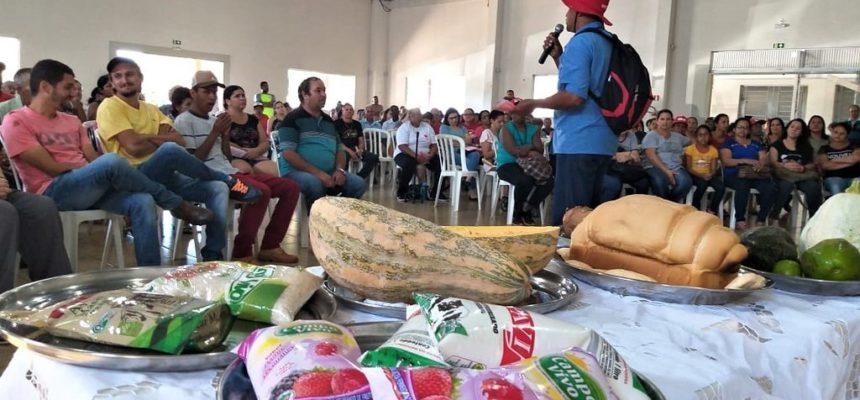MST realiza mutirão de solidariedade com doação de 4 toneladas de alimentos no Paraná