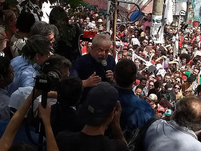 diz Lula em ato no ABC
