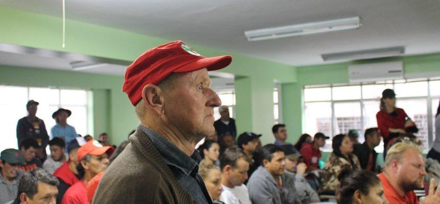 MST no Paraná cobra avanço da reforma agrária em reunião com o Incra