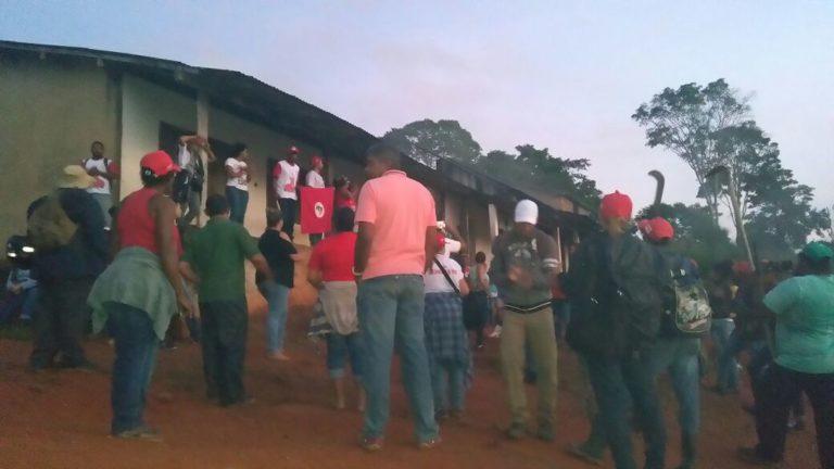 trabalhadores Sem Terra sofrem ameaças do coronelismo da Bahia