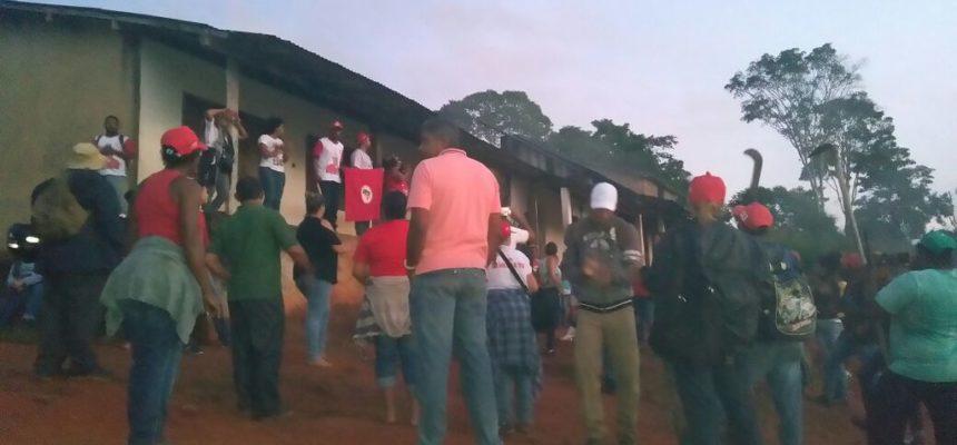 Ao denunciarem latifúndio, trabalhadores Sem Terra sofrem ameaças do coronelismo da Bahia