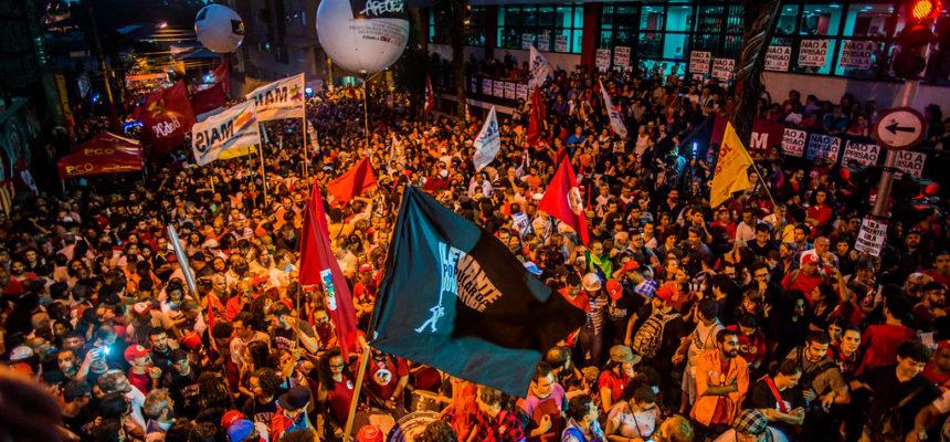 Em SP, centenas de jovens se reunirão para debater a crise no Brasil