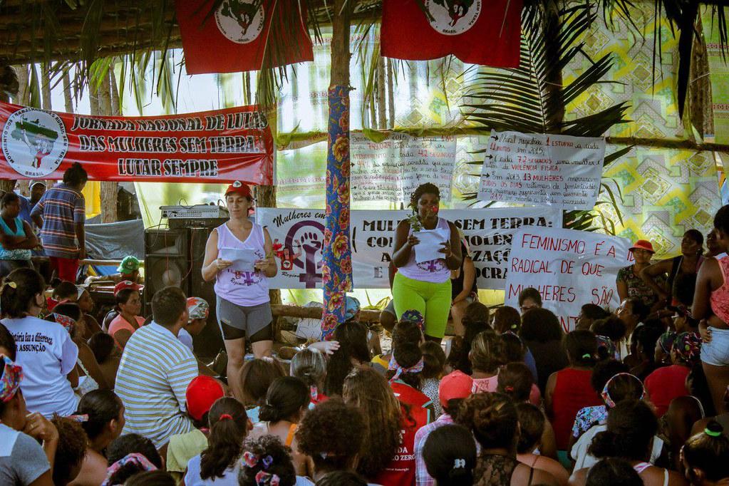 Plenária de Formação no Acampamento das Mulheres Sem Terra no Extremo Sul da Bahia..jpg