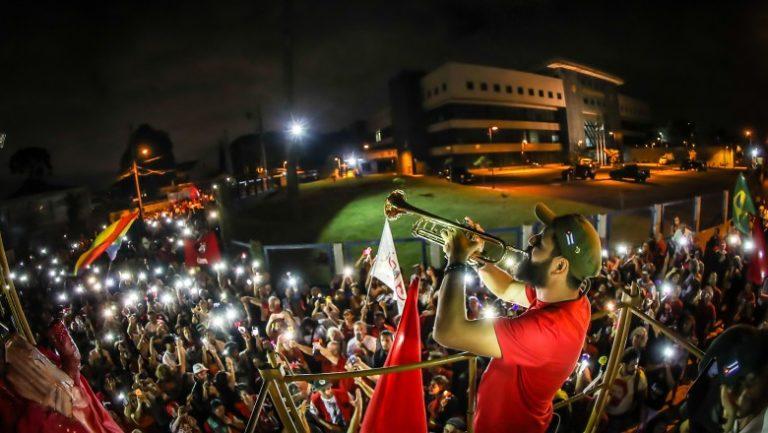 Vigília Lula Livre segue sendo a base de apoio em Curitiba