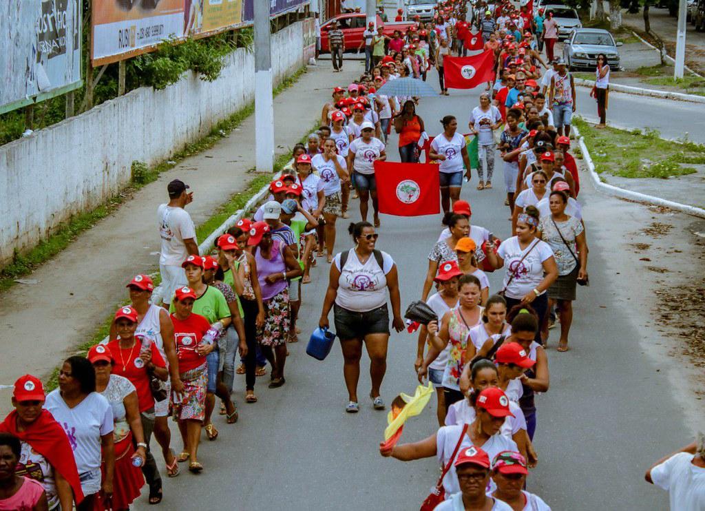 Marcha das mulheres Sem Terra em Teixeira de Freitas..jpg