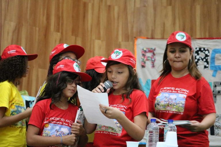 participação das crianças Sem Terra encerra VI JURA