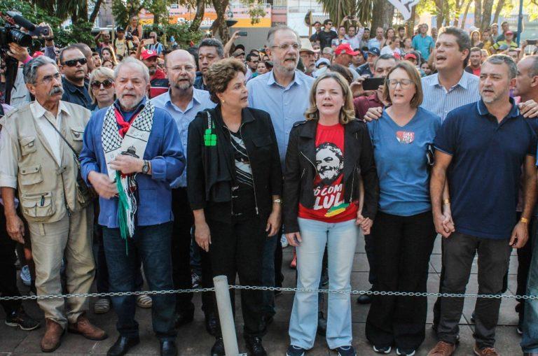 Caravana no RS: Lula destaca a importância da educação para o desenvolvimento do país