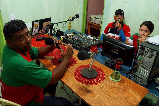 Sem Terra à beira do gramado: uma história da Rádio Camponesa