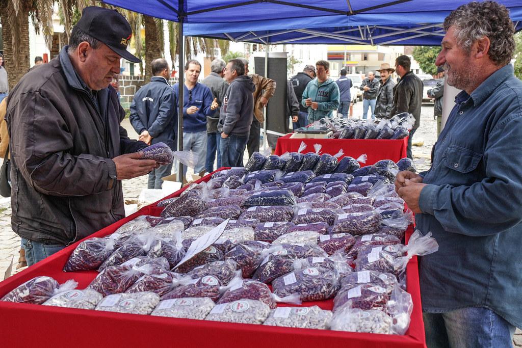 Apecol faz feira, duas vezes por semana, no Centro de Piratini.jpg
