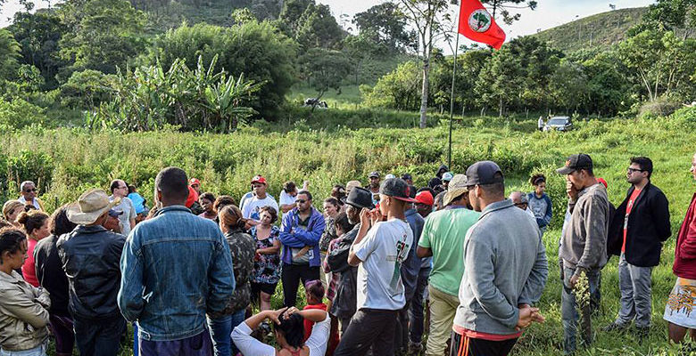 MST ocupa área do Governo de Minas em Antônio Carlos