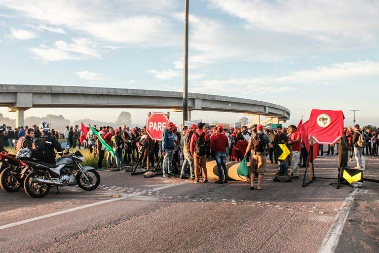 Via Campesina realiza mobilizações em Pelotas e Porto Alegre