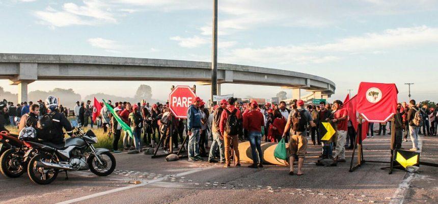 Pelo Programa Camponês, Via Campesina realiza mobilizações em Pelotas e Porto Alegre