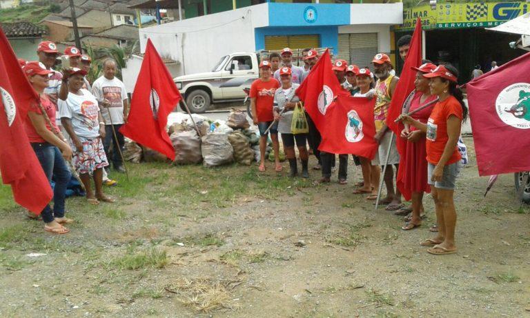 camponeses realizam doação de alimentos em Alagoas