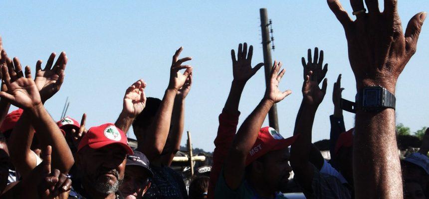 Denúncia: Justiça autoriza PM a apreender crianças em abrigo durante despejo em SP