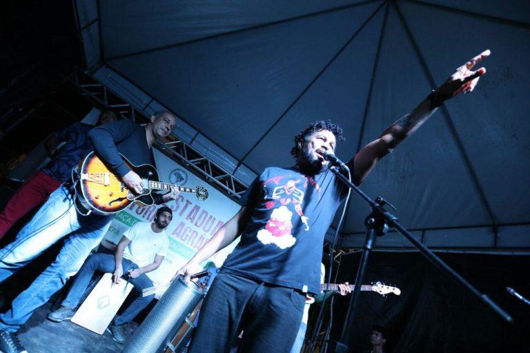 Artistas do interior e da capital baiana animam as noites da 4º Feira Estadual da Reforma Agrária