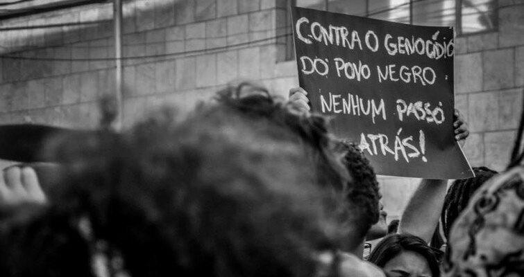 Brasil: um país marcado pelo genocídio da sua população negra, pobre e periférica